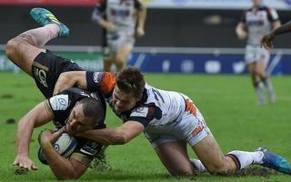 Accident de rugby: la responsabilité du plaqueur retenue