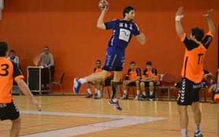 Un joueur de handball reconnu salarié de deux clubs distincts!